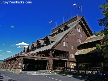 Old Faithful Inn, Yellowstone Park Lodging Accommodations