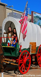 Covered wagon at Wall Drug, South Dakota