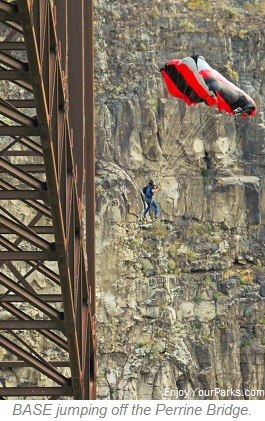 BASE jumper, Perrine Bridge, Twin Falls Idaho