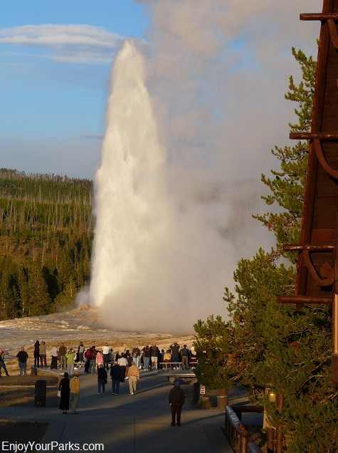 Old Faithful Geyser, Yellowstone National Park.